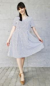 Sukienka Sklepfilloo z krótkim rękawem