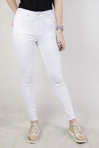 Jeansy olika w młodzieżowym stylu