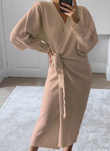 Brązowa sukienka Cikelly w stylu casual maxi z dekoltem w kształcie litery v