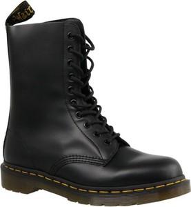 Czarne buty zimowe Dr. Martens ze skóry