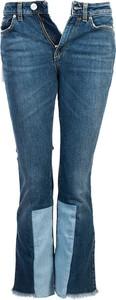 Niebieskie jeansy Pinko w street stylu