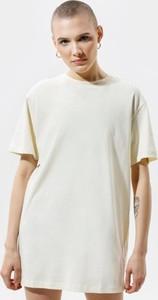 Sukienka Nike z krótkim rękawem z okrągłym dekoltem mini