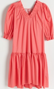 Różowa sukienka Reserved w stylu casual z długim rękawem
