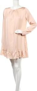 Sukienka Almatrichi mini z okrągłym dekoltem z długim rękawem