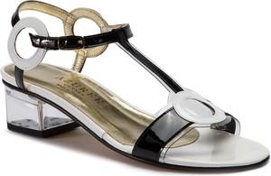 Sandały Azurée ze skóry na obcasie