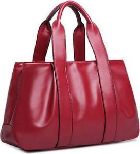 Czerwona torebka Cikelly na ramię lakierowana