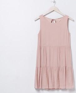 Różowa sukienka Sinsay z okrągłym dekoltem mini