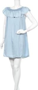 Niebieska sukienka Une Saison A Paris mini z krótkim rękawem