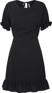 Czarna sukienka Glamorous z krótkim rękawem