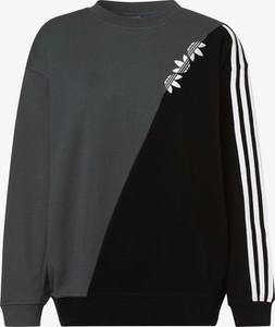 Czarna bluza Adidas Originals w sportowym stylu