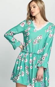 Zielona sukienka Multu z długim rękawem