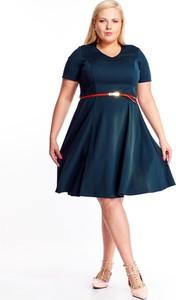 Niebieska sukienka Fokus