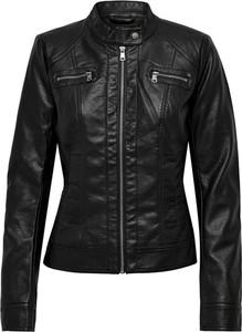 Czarna kurtka Only w rockowym stylu