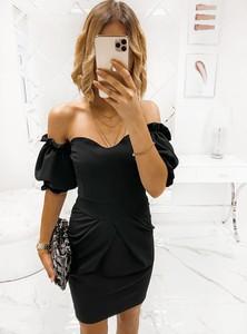 Sukienka Pakuten mini z odkrytymi ramionami z krótkim rękawem