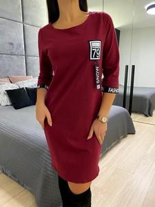 Czerwona sukienka ModnaKiecka.pl w stylu casual z długim rękawem sportowa