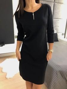 Czarna sukienka ModnaKiecka.pl z długim rękawem mini prosta