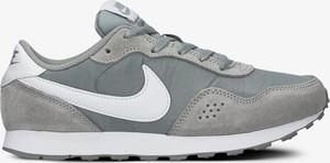 Buty sportowe Nike sznurowane w sportowym stylu md runner
