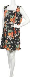 Sukienka Dangerfield z okrągłym dekoltem mini