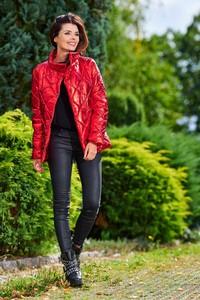 Czerwona kurtka Awama krótka