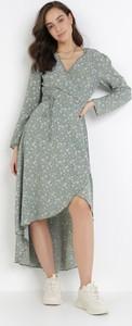 Sukienka born2be midi w stylu casual z długim rękawem