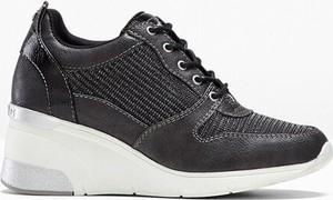 Czarne buty sportowe bonprix sznurowane