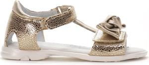 Złote buty dziecięce letnie Kornecki ze skóry