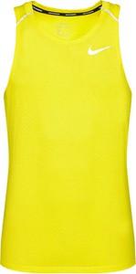 Żółty t-shirt Nike w sportowym stylu z krótkim rękawem