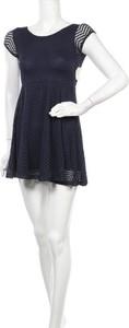 Sukienka Aeropostale mini z okrągłym dekoltem