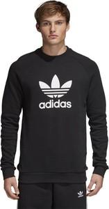 Czarna bluza Adidas Originals w street stylu