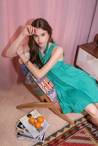 Zielona sukienka FEMESTAGE Eva Minge mini z długim rękawem