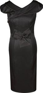 Czarna sukienka Fokus z dekoltem w kształcie litery v