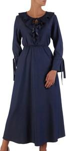 Sukienka POLSKA midi z długim rękawem z okrągłym dekoltem