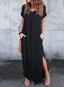 Sukienka Arilook sportowa z dekoltem w kształcie litery v