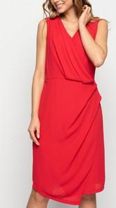 Sukienka Bialcon z dekoltem w kształcie litery v asymetryczna