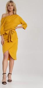 Żółta sukienka Renee w stylu casual z długim rękawem