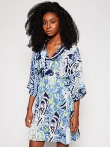 Sukienka Desigual mini z dekoltem w kształcie litery v w stylu casual