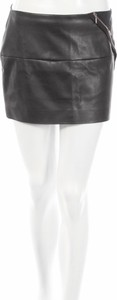 Czarna spódnica La Mode Est A Vous ze skóry mini