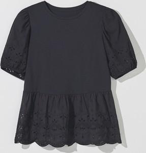 Czarna bluzka Mohito z okrągłym dekoltem z krótkim rękawem