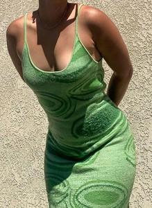 Zielona sukienka Sandbella dopasowana w stylu casual