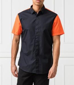 Czarna koszula Armani Exchange z klasycznym kołnierzykiem w stylu casual