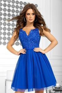 Niebieska sukienka Bicotone bez rękawów rozkloszowana z dekoltem w kształcie litery v