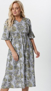 Sukienka born2be dla puszystych z długim rękawem w stylu casual