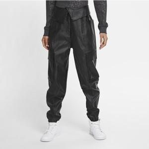 Czarne spodnie Nike ze skóry ekologicznej