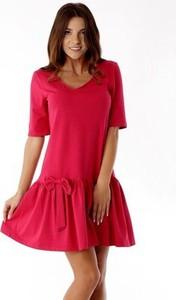 Czerwona sukienka Ella Dora z dekoltem w kształcie litery v