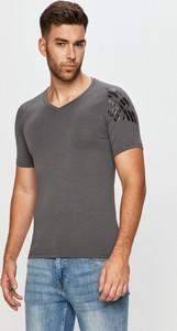 T-shirt Emporio Armani z dzianiny