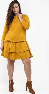 Żółta sukienka Fasardi midi oversize z tkaniny