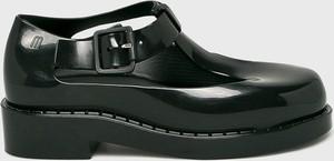 Czarne sandały Melissa na obcasie w młodzieżowym stylu