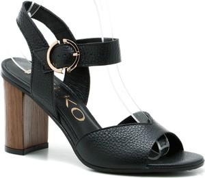 Czarne sandały Ryłko na obcasie ze skóry
