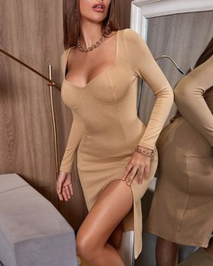 Sukienka Kendallme z długim rękawem z okrągłym dekoltem dopasowana
