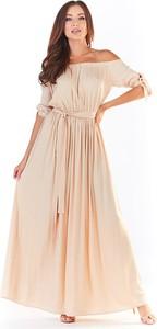 Różowa sukienka Awama maxi z krótkim rękawem hiszpanka
